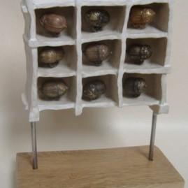 HLM. Bronze et porcelaine. Hauteur 20cm
