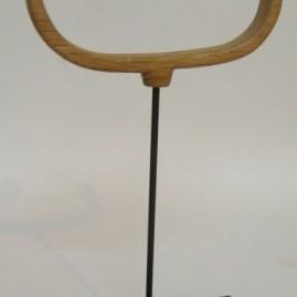L'équilibriste. Olivier et bronze. Hauteur 20cm